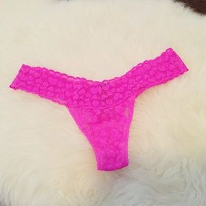 3/$30🌵 Victorias Secret Hot Pink Lacie Thong Sz S